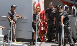 Carola Rackete deja Sea-Watch 3 en Lampedusa