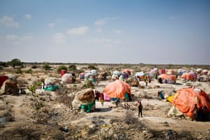 Vista de un asentamiento para personas desplazadas por la sequía en Galkayo, Somalia, en 2018.