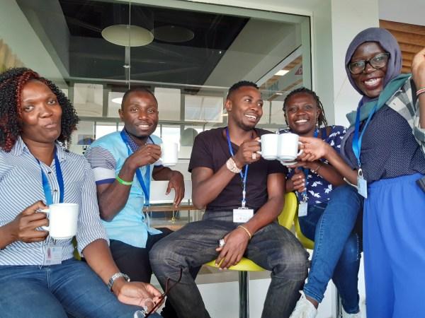 Cédrick Irakoze y sus amigos durante la reunión de la red YALI en Nairobi.