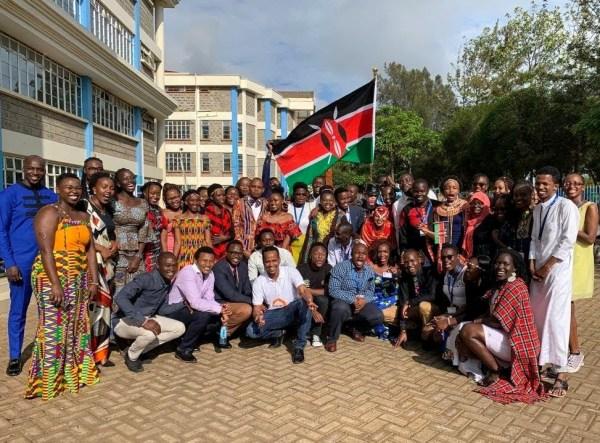 Un grupo de miembros de la red YALI en Nairobi.